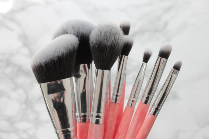 BH Cosmetics meikkisiveltimien arvostelu