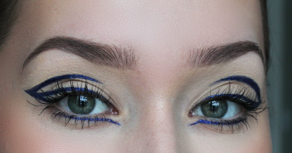 Sininen graafinen glitter rajaus